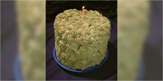 10-Cannabis-Themed-Cakes-10